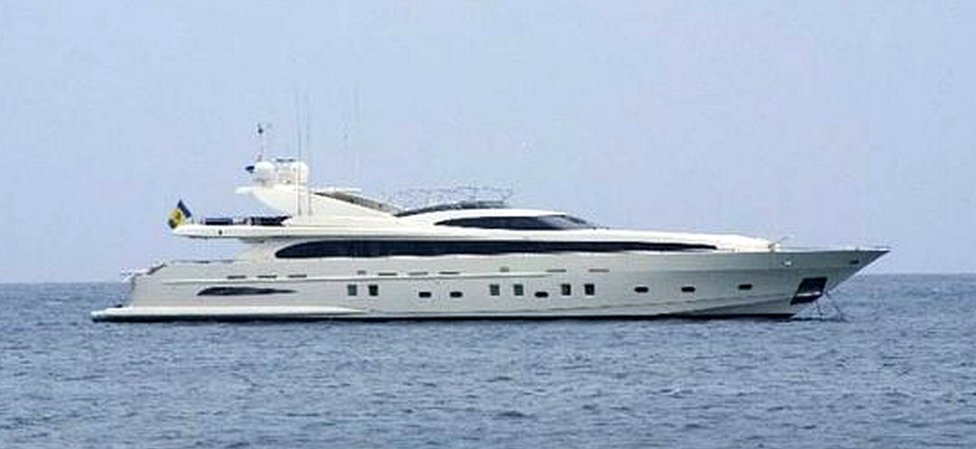 Yacht St Vitamin