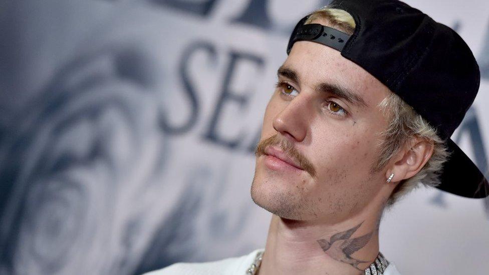 BBC News - Justin Bieber beats Elvis Presley's US chart record