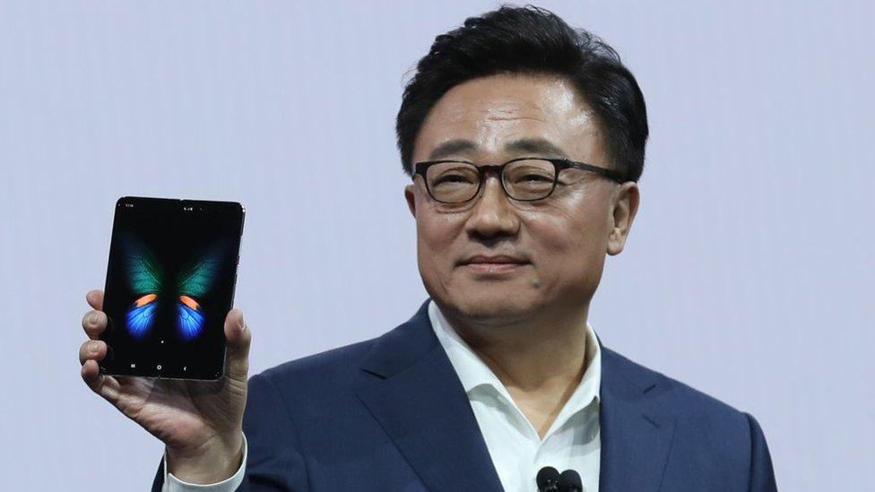 DJ Koh, presidente y consejero delegado de Samsung Electronics,, durante la presentación del celular.