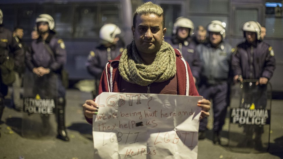 About 300 refugees and migrants tried to march to the Greek-FYROM borders and the area of Idomeni on 16 November 2017.