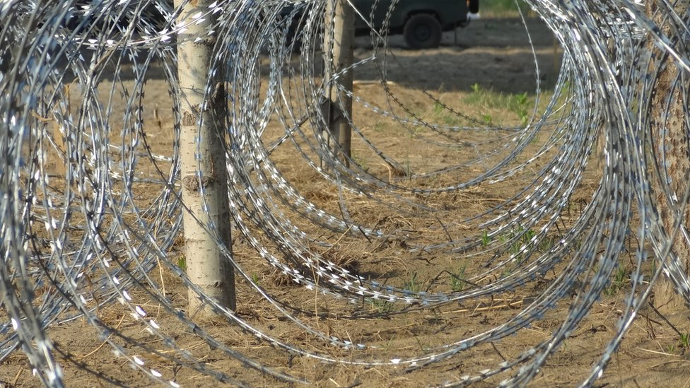 Coils of wire to be used for Hungary's border fence