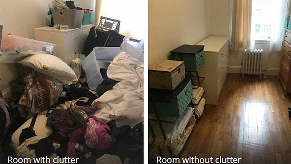 Habitación con orden y desorden.