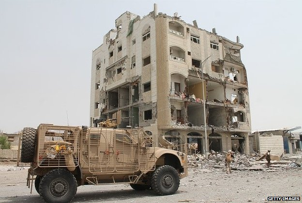 Damaged building in Aden