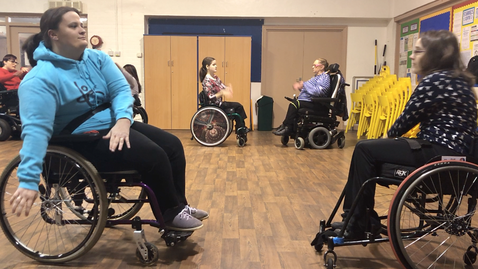 Birmingham wheelchair dance club FreeWheelin helps new bride