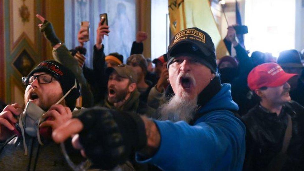 Seguidores de Trump que tomaron la sede del Congreso de Estados Unidos.