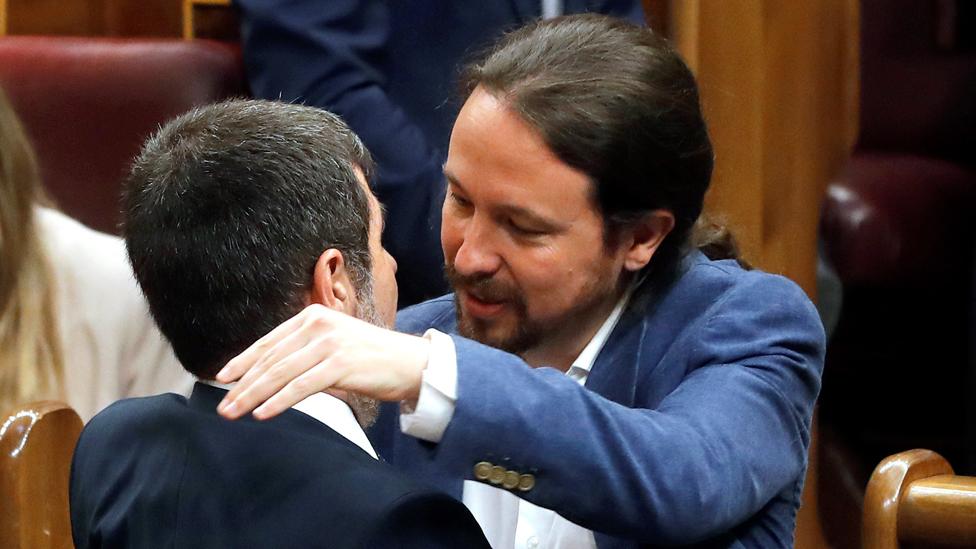 Podemos lideri Pablo Iglesias, yargılanan Katalan liderlei sıcak karşıladı