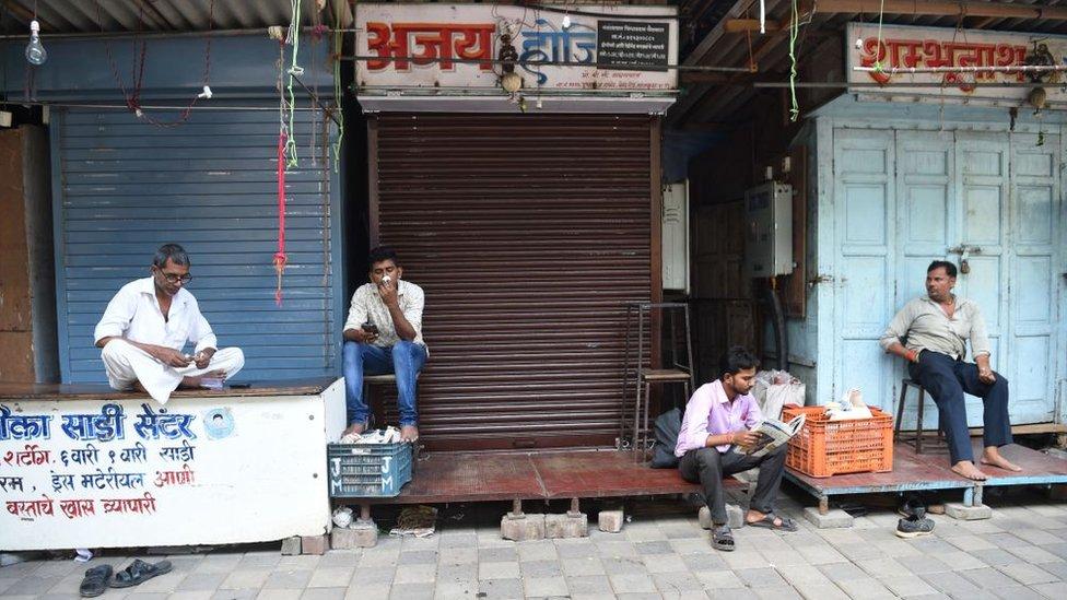 Pedagang melakukan mogok di Mumbai 10 September 2018.