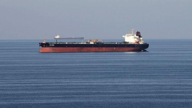 ارتفعت أسعار النفط في أعقاب مهاجمة ناقلات في مضيق هرمز