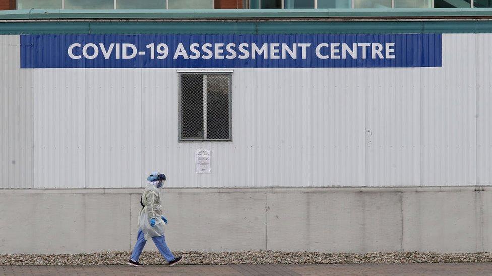 Un centro de asistencia a pacientes de covid-19 en Ontario.