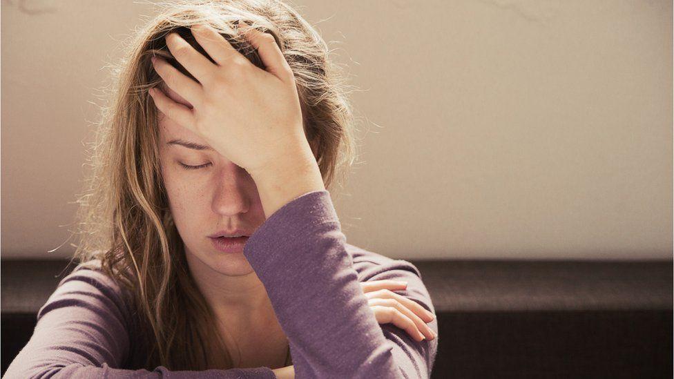 Bazı hastalarda aylar sonra hala nefes darlığı, baş ağrısı, aşırı yorgunluk ve zihin bulanıklığı görülüyor