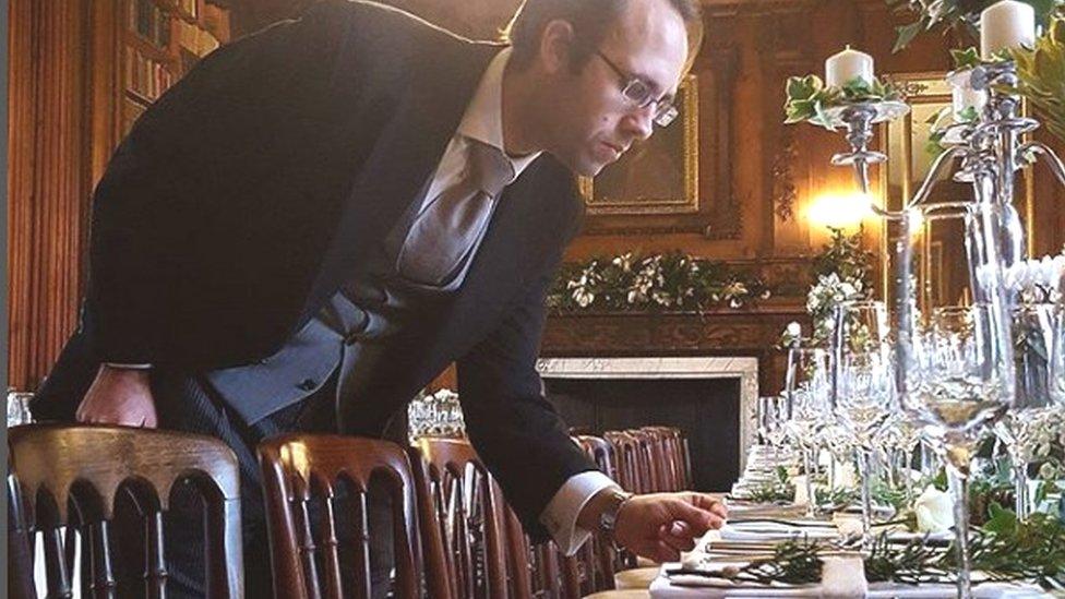 Simeon Rosset checking table settings