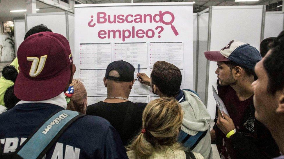 Venezolanos buscando empleo en Colombia