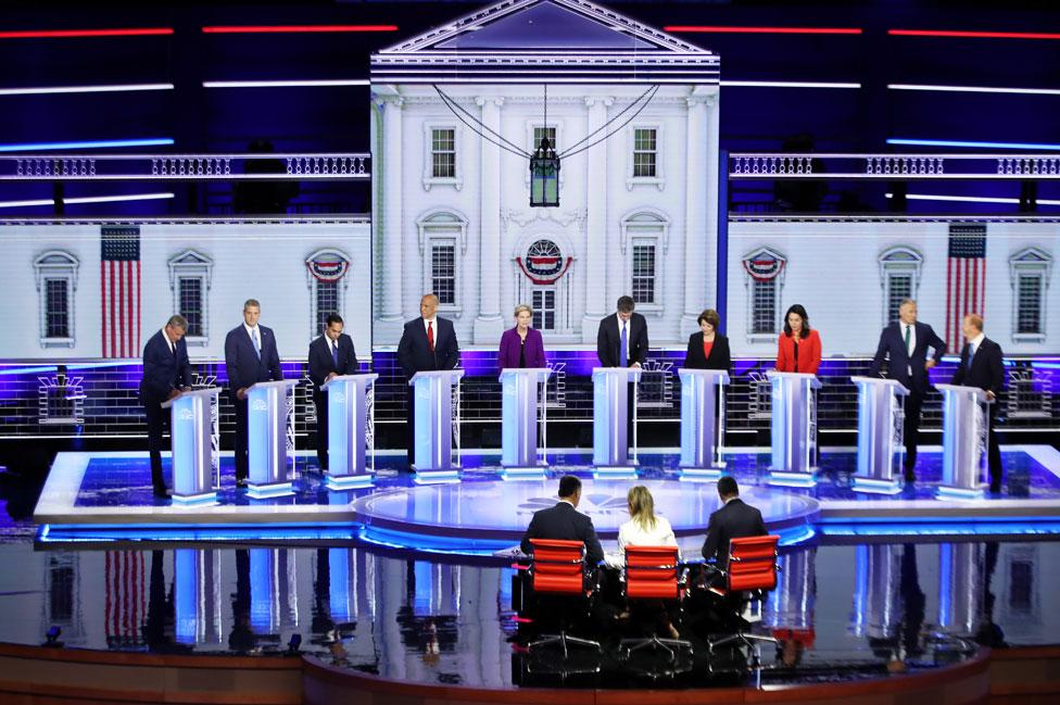 Los candidatos del debate demócrata en Miami.
