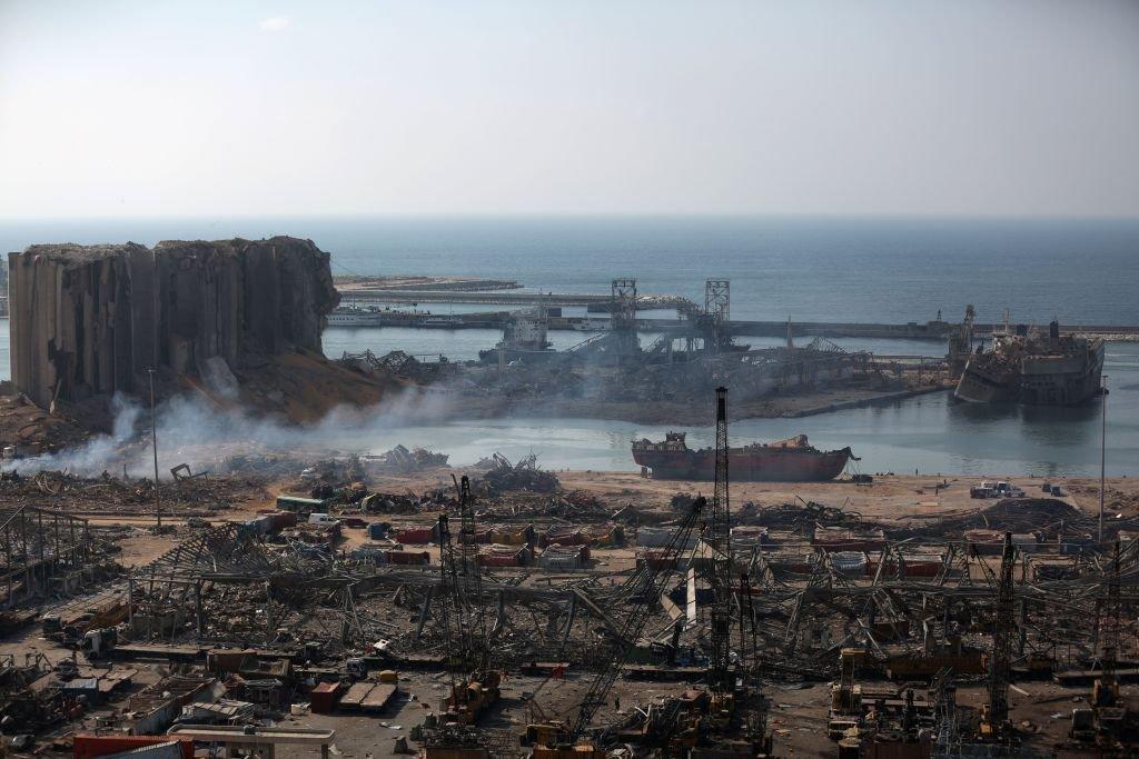 صورة جزئية لمرفأ بيروت المدمر من حي مار مخايل القريب، 6 أغسطس/آب 2020