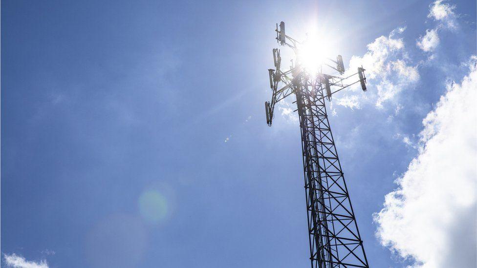 Menara jaringan telepon genggam