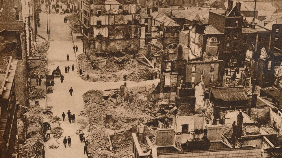 Los disturbios del Alzamiento de Pascua ocasionaron grandes daños en Dublín.