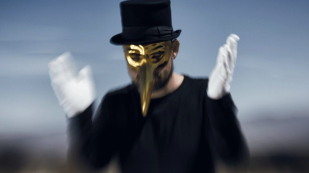The mysterious musician who wears a mask