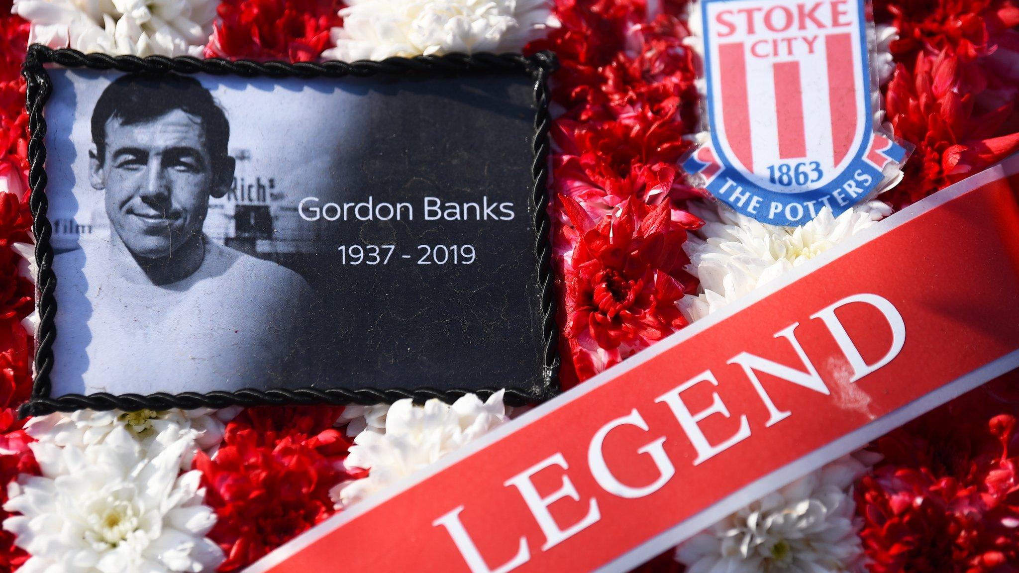 EFL: Gordon Banks remembered, Portsmouth wilt and Kevin Ellison hits 40