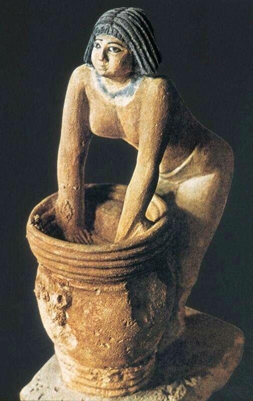 """تمثال """"صانعة الجعة"""""""