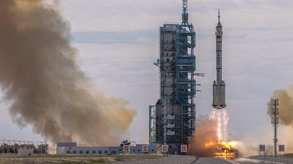 Shenzhou-12 uzay aracı