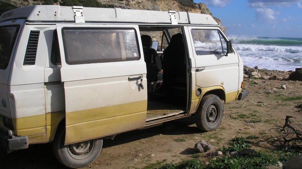 Una casa rodante perteneciente al sospechoso fue vista alrededor de Praia da Luz, en Portugal.