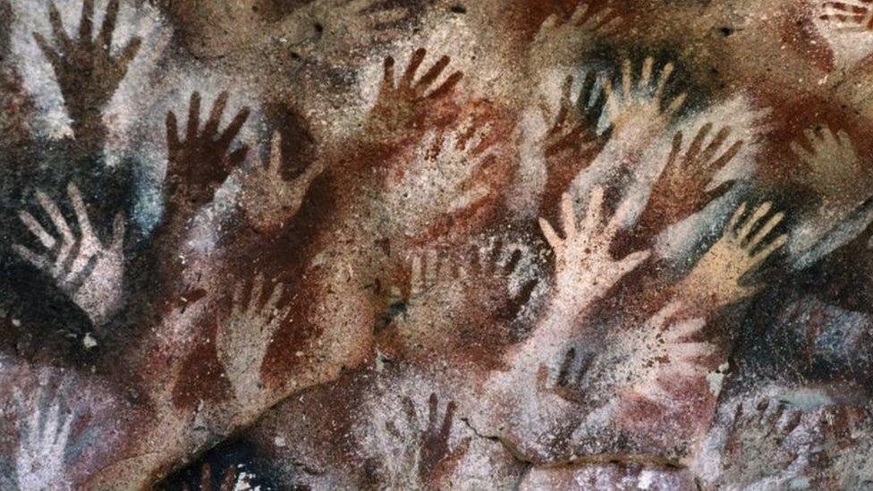 阿根廷發現的史前洞穴畫中的手掌