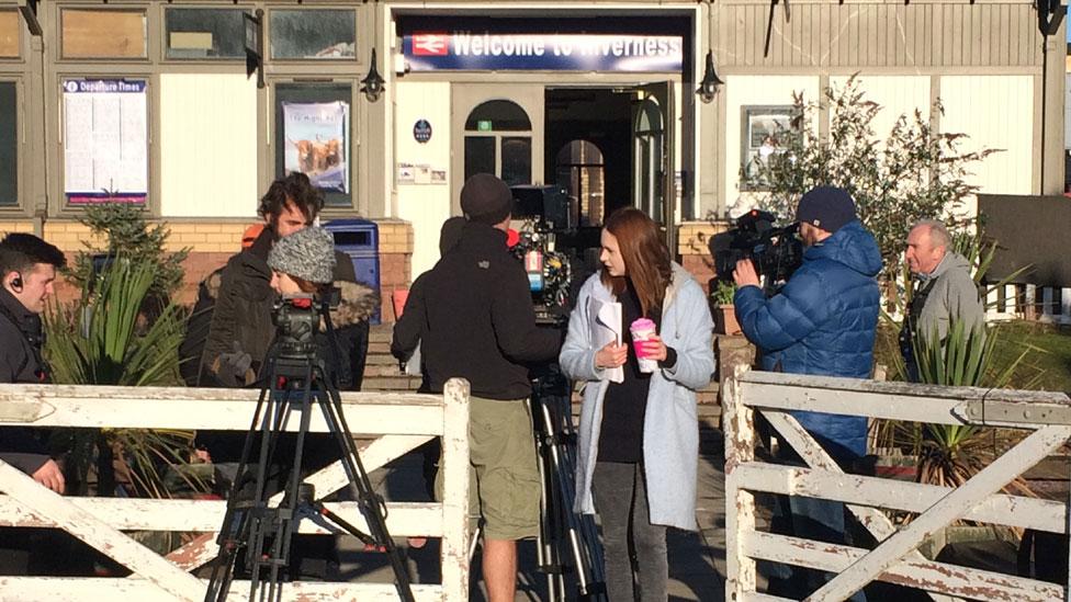 Karen Gillan filming Tupperware Party