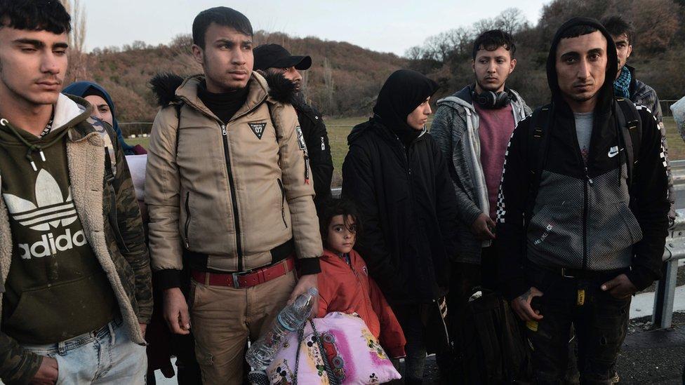 Migranti privedeni na grčko-turskoj granici