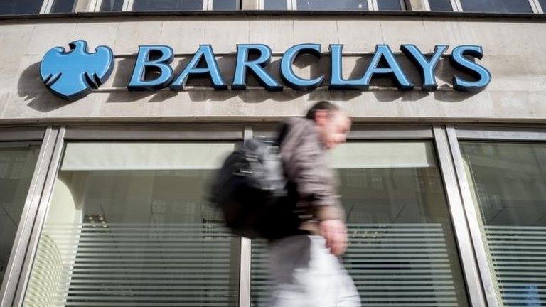 Barclays customers hit by online glitch