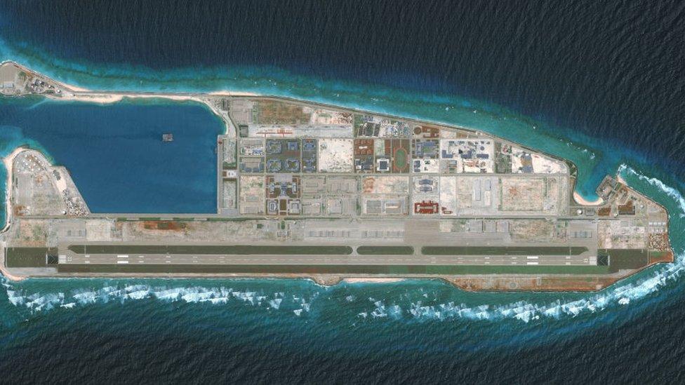 Pulau buatan Cina di Spratly dikecam negara-negara tetangganya.