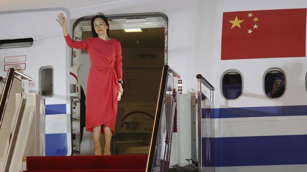 孟晚舟乘坐中國政府的包機於9月25日晚間抵達深圳。