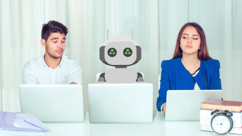 No es la primera vez que la inteligencia artificial resulta sexista.