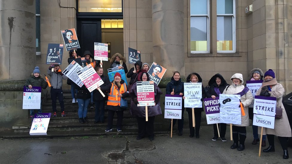 Schools shut by Glasgow women's pay strike