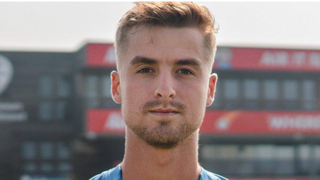 Leus du Plooy: Derbyshire sign South African batsman on Kolpak deal