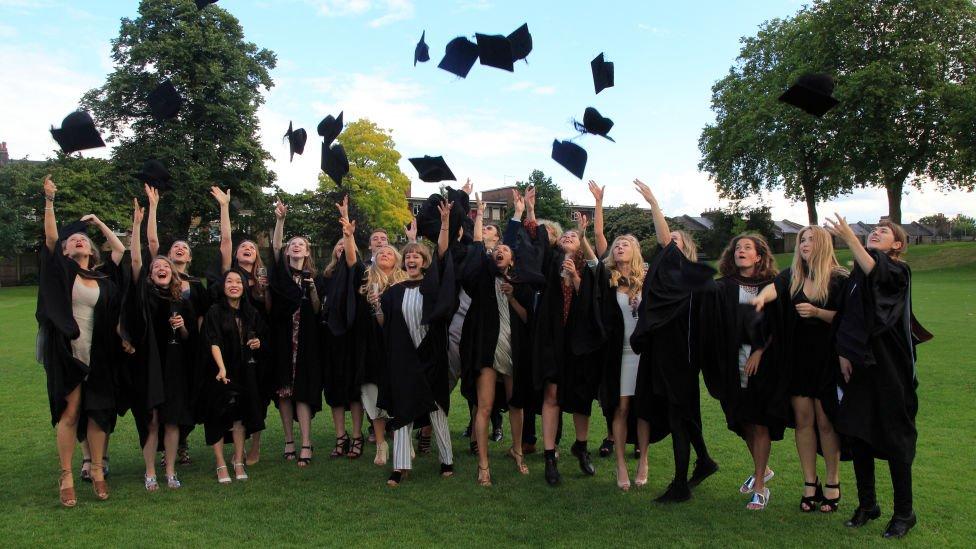 diplomci univerzitet london