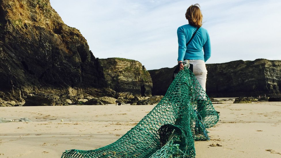 Fishing nets and false teeth: Meet the beach debris hunters