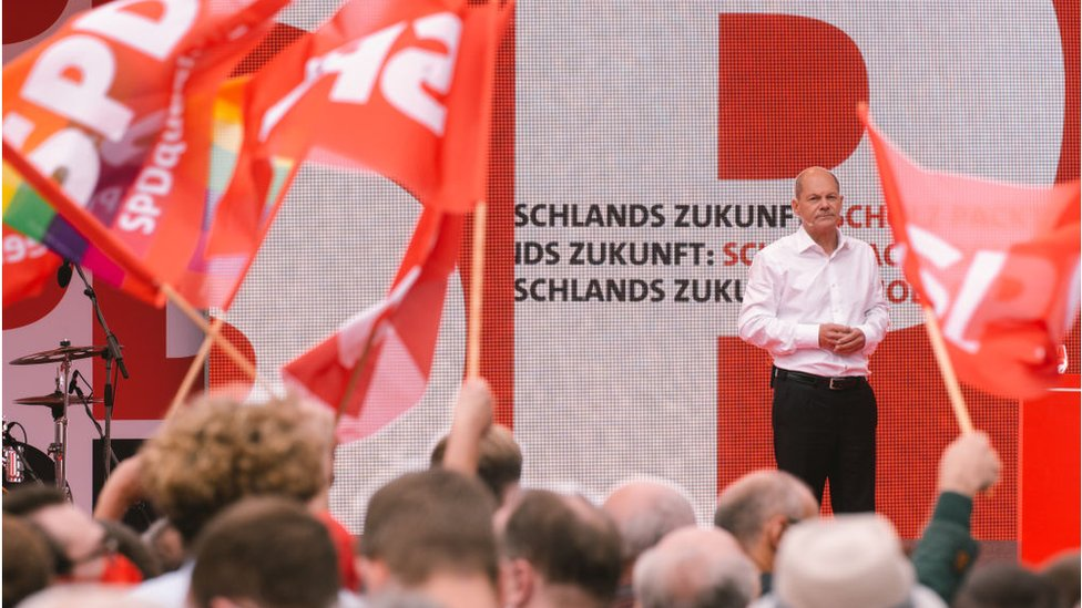 SPD adayı Olaf Scholz