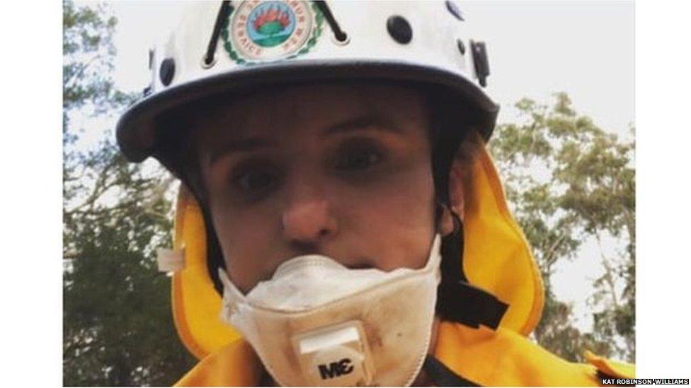 ऑस्ट्रेलिया: गर्भवती होने के बावजूद क्यों भीषण आग से लड़ रही है ये महिला
