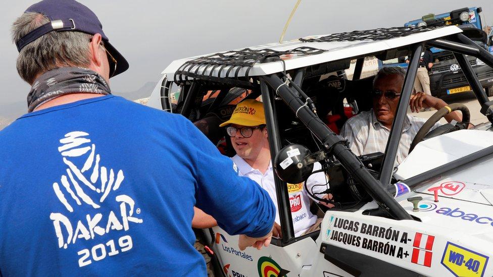 Lucas Barrón montado en el Polaris.
