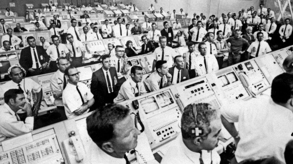 Centro de control del Apolo 11.