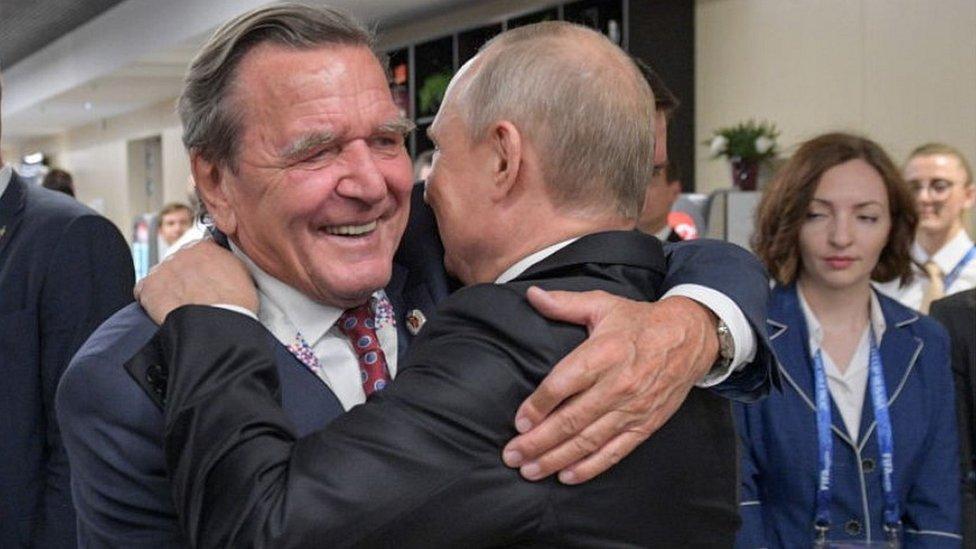 German ex-chancellor Schröder under fire for Putin link thumbnail