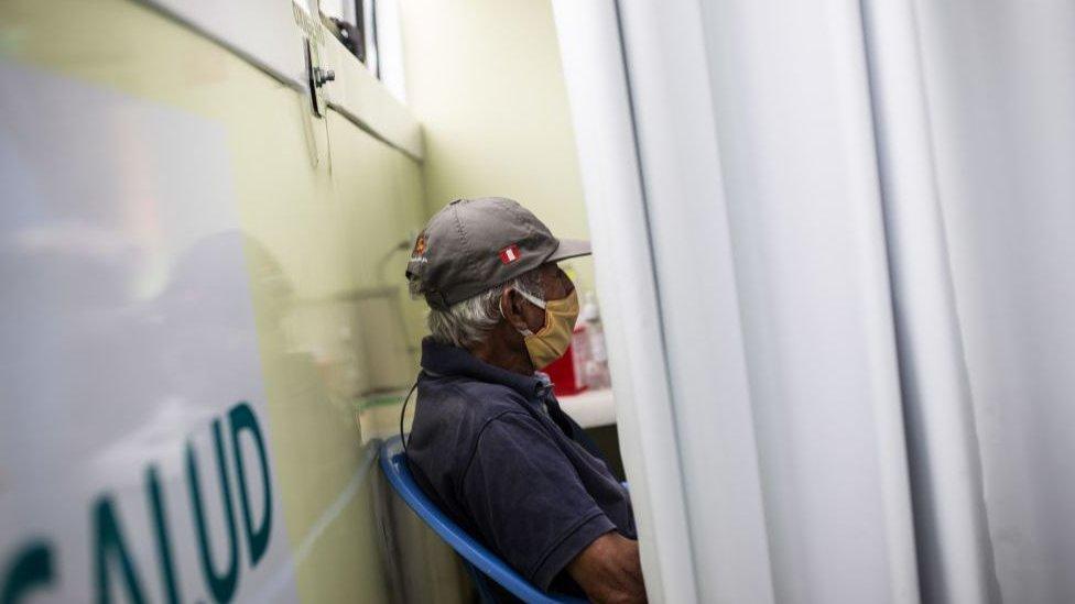 Perú tiene el tercer número de personas contagiadas confirmadas en América Latina
