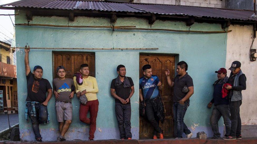 Jóvenes guatemaltecos