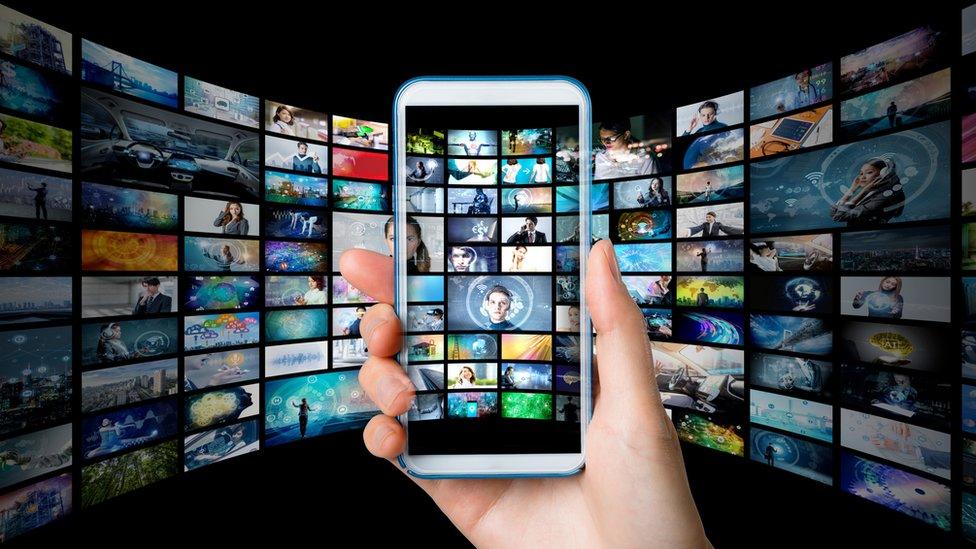 resimler ve bir telefon ekranı