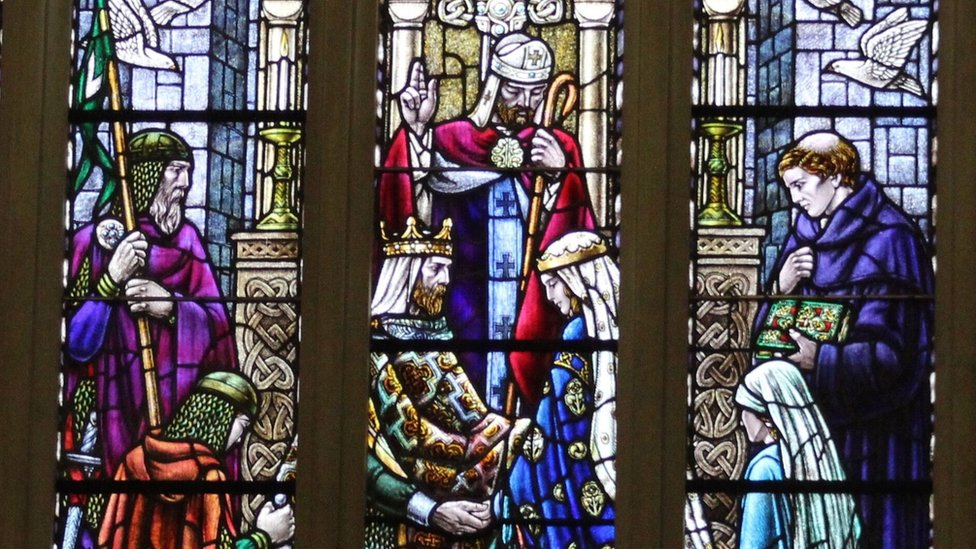 Window in Dunfermline Abbey depicting the marriage of Margaret and King Malcolm III