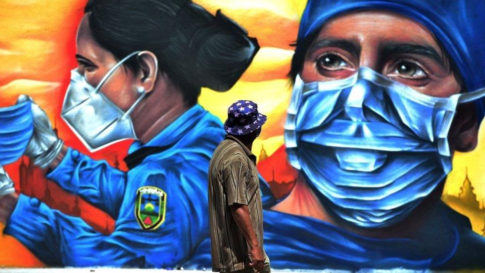 Graffiti de policia en Honduras