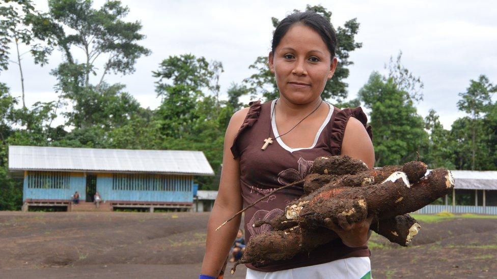 Mujer en Kapawi