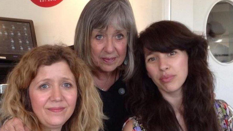 Karen, Linda a Lisa Jen