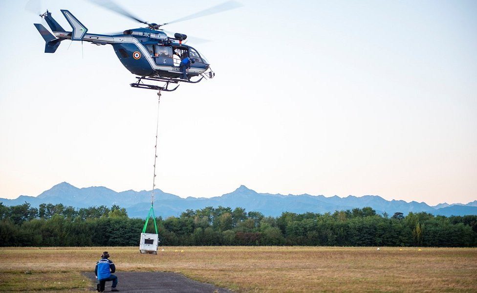 Sorita being moved in cage by helicopter, Oct 2018
