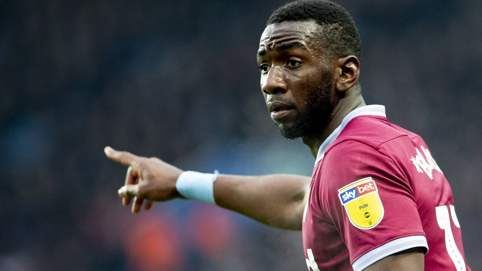 Yannick Bolasie: Everton winger cancels Aston Villa loan